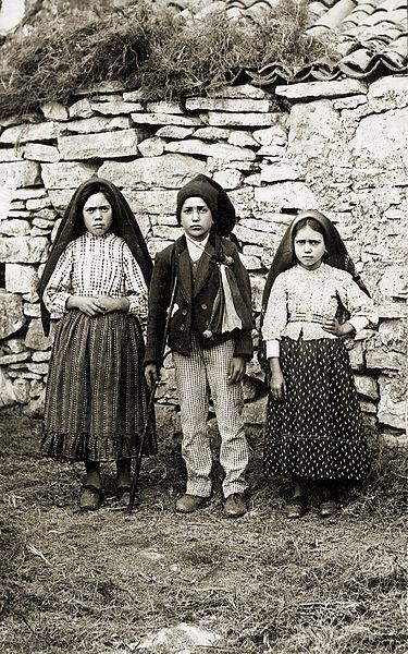 three Portuguese children who saw the Virgin Mary in Fatima in 1917