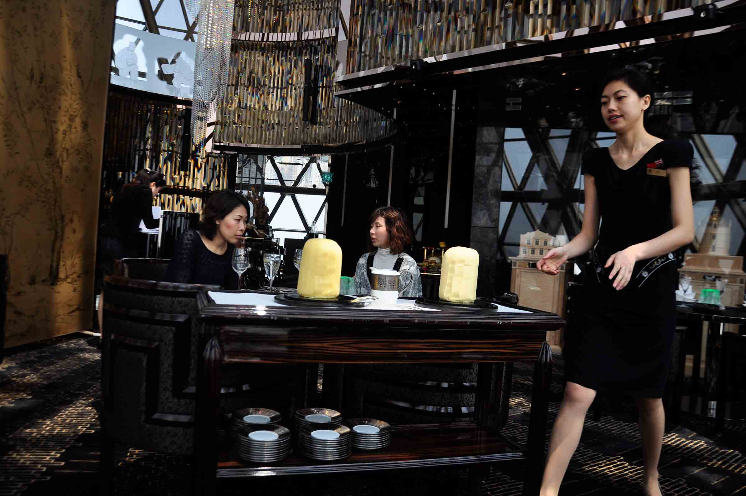 Robuchon Au Dome cheese cart