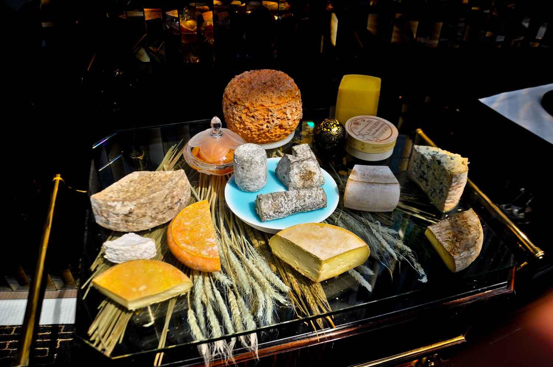 Macau Michelin Restaurants: Robuchon Au Dome cheese cart