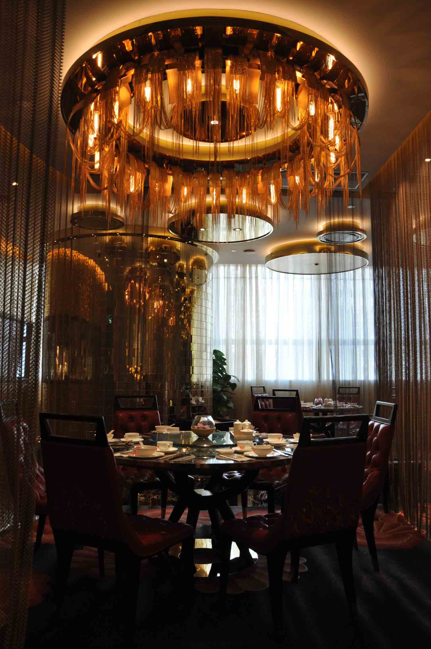 Feng Wei Ju Macau table and chandelier