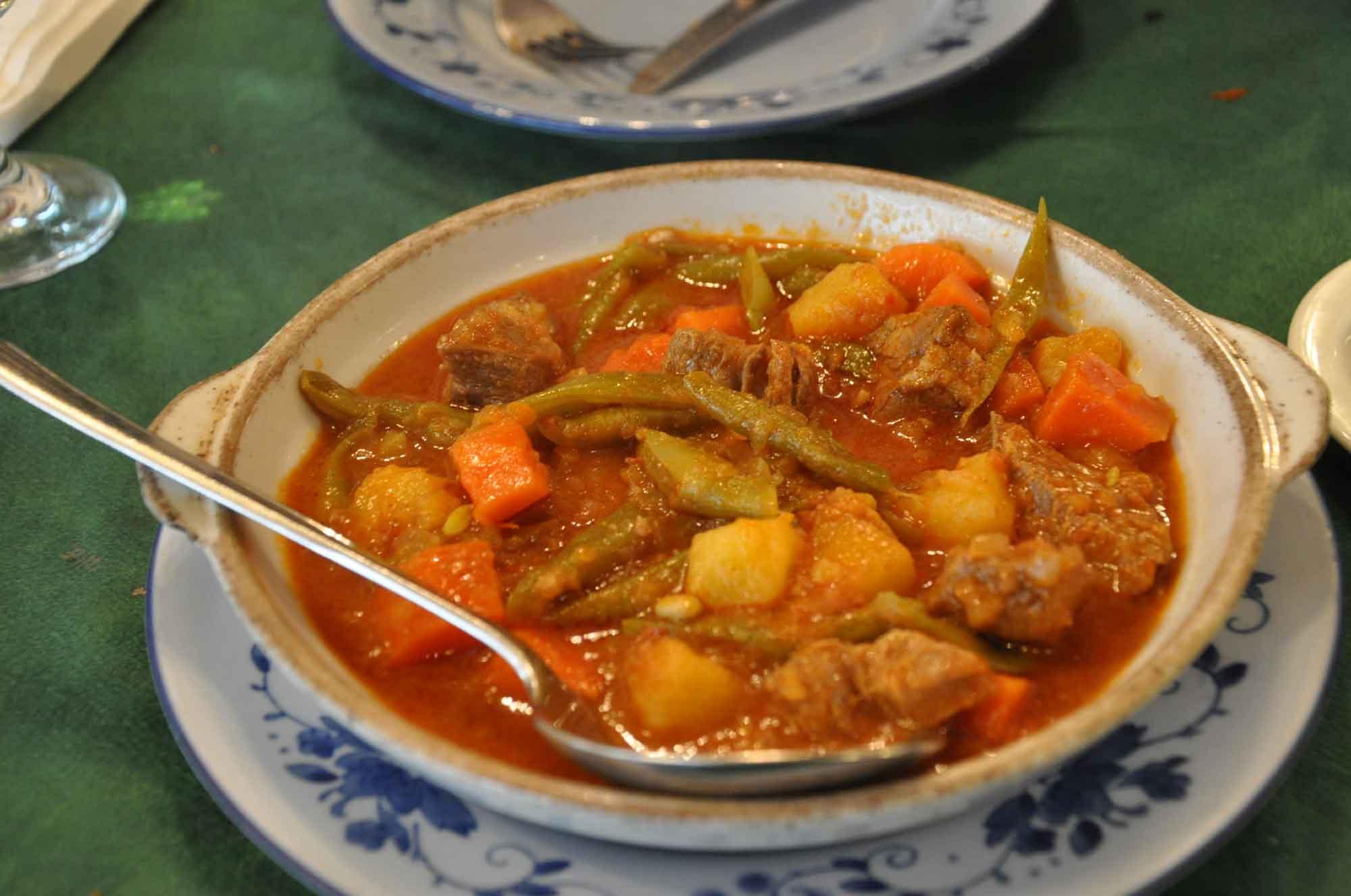 O Manuel Macau stew