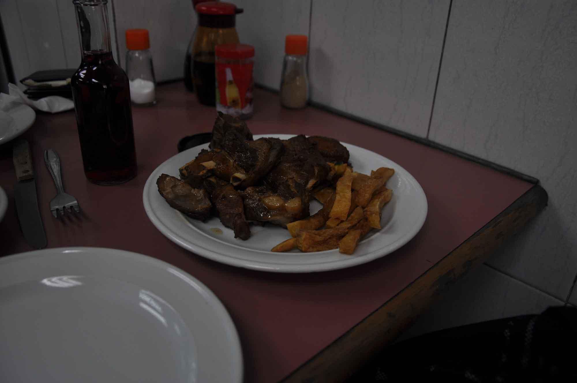 A Vencedora Macau ribs and fries