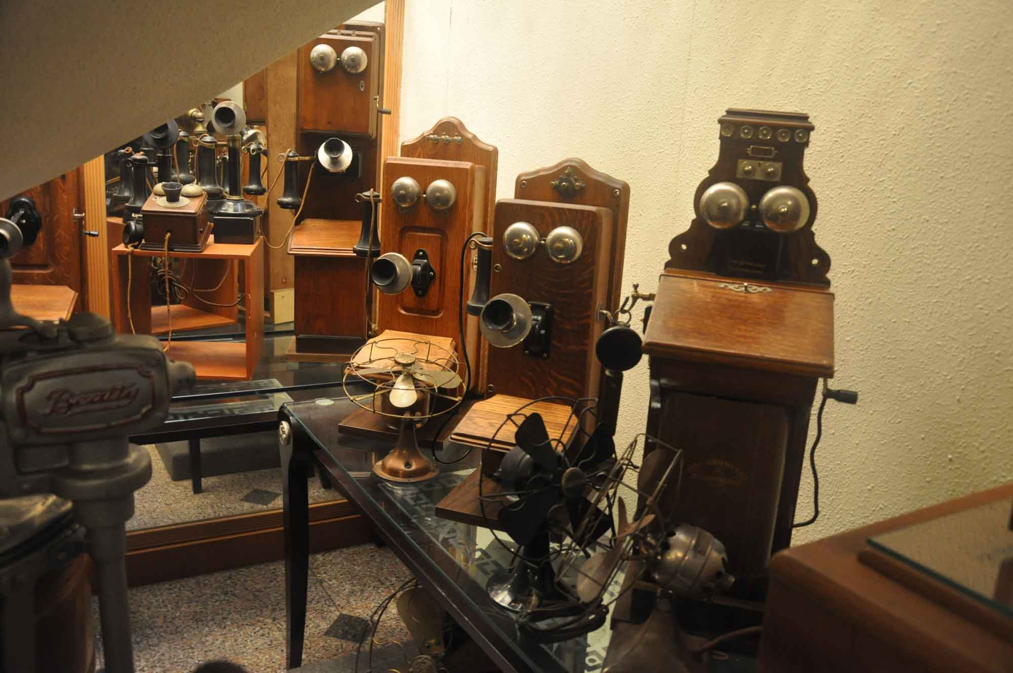 Vintage Sounds Museum antique phones