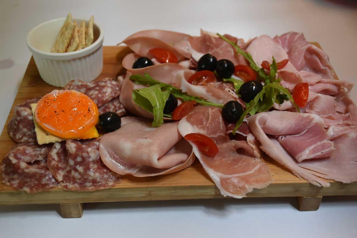 Bella Taipa Macau meat platter