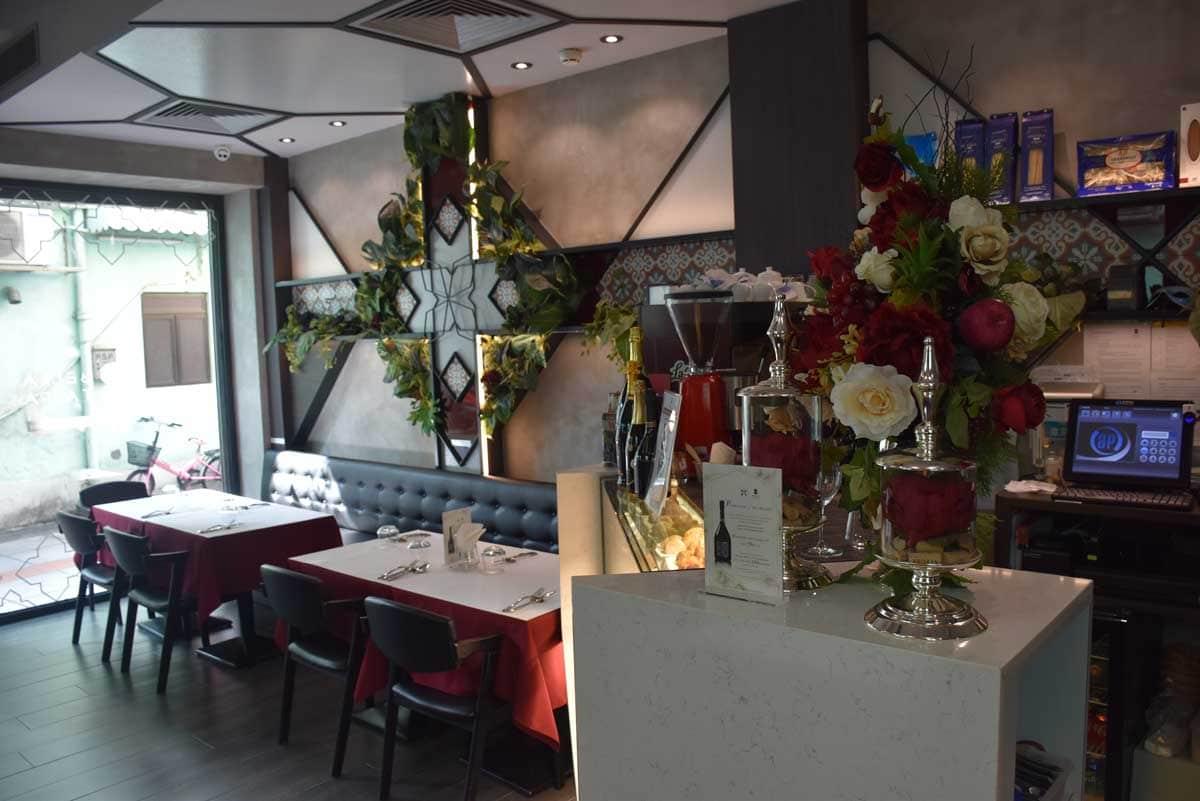 Bella Taipa Macau tables and chairs