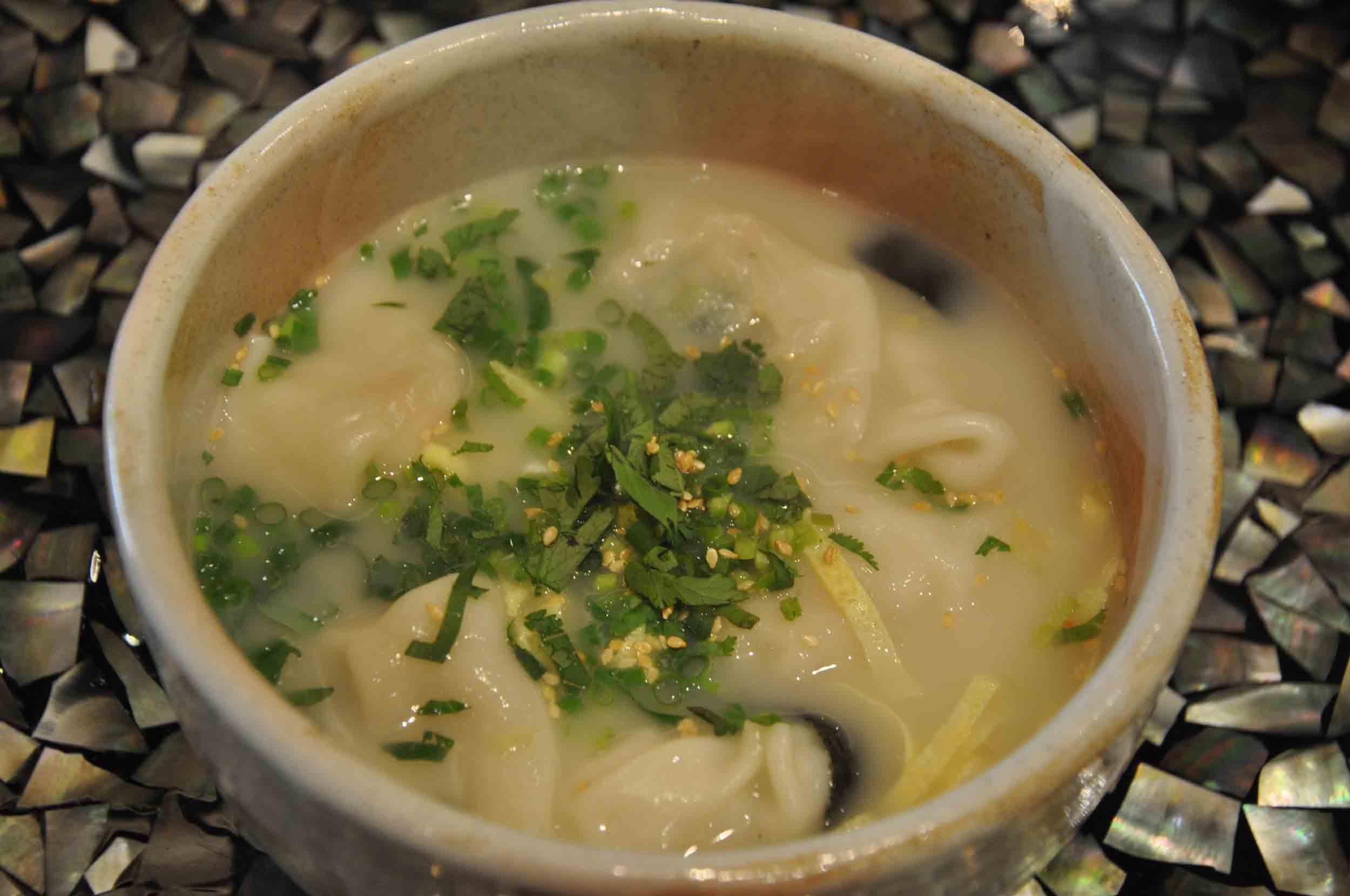 Feng Wei Ju Macau shrimp wonton