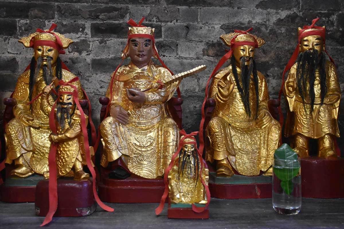 Hong Kung Temple idols