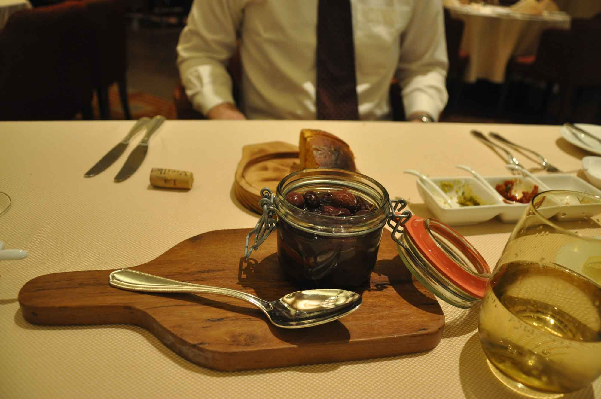 Terrazza Macau black Sicilian olives