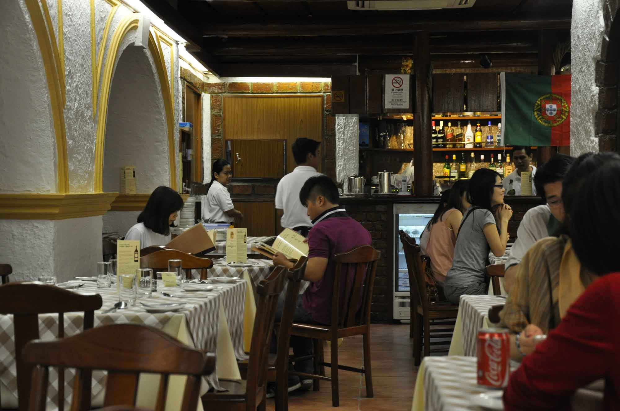 A Lorcha Macau interior seating