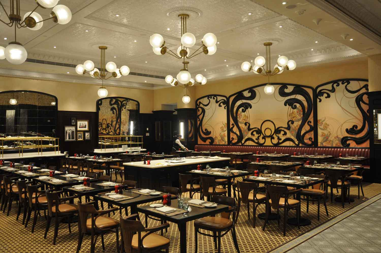 Brassiere Macau seating area