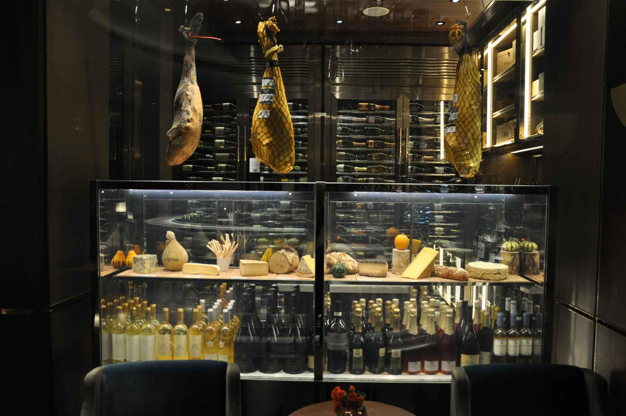 8.5 Otto e Mezzo Bombana Macau wine and cheese