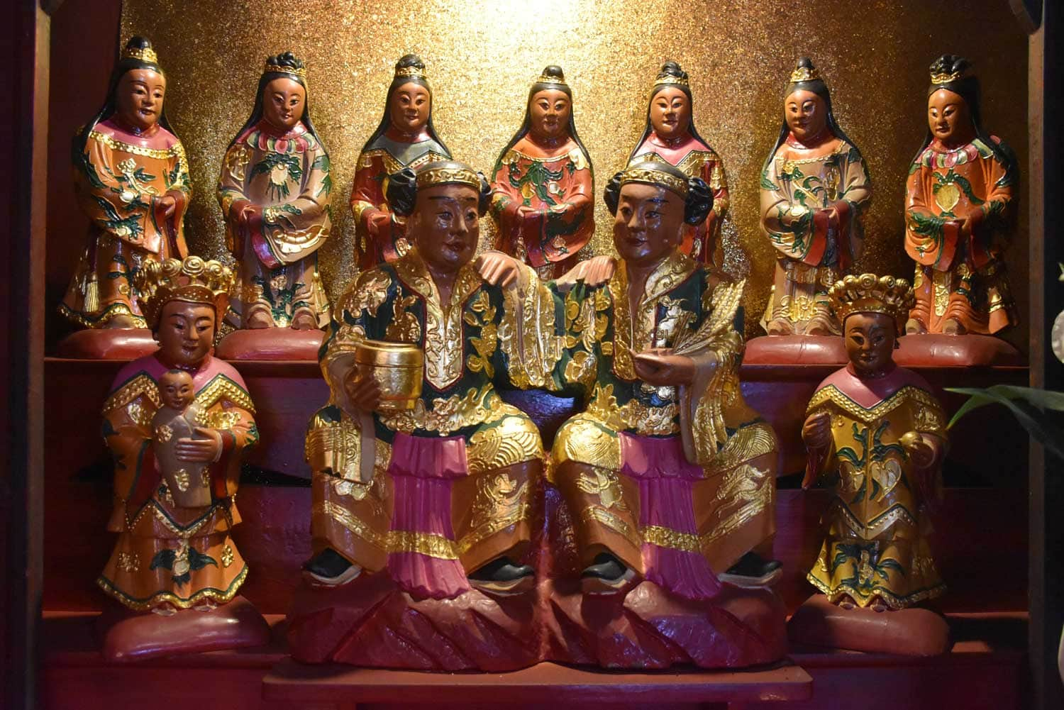 Hong Kung Temple temple figurines