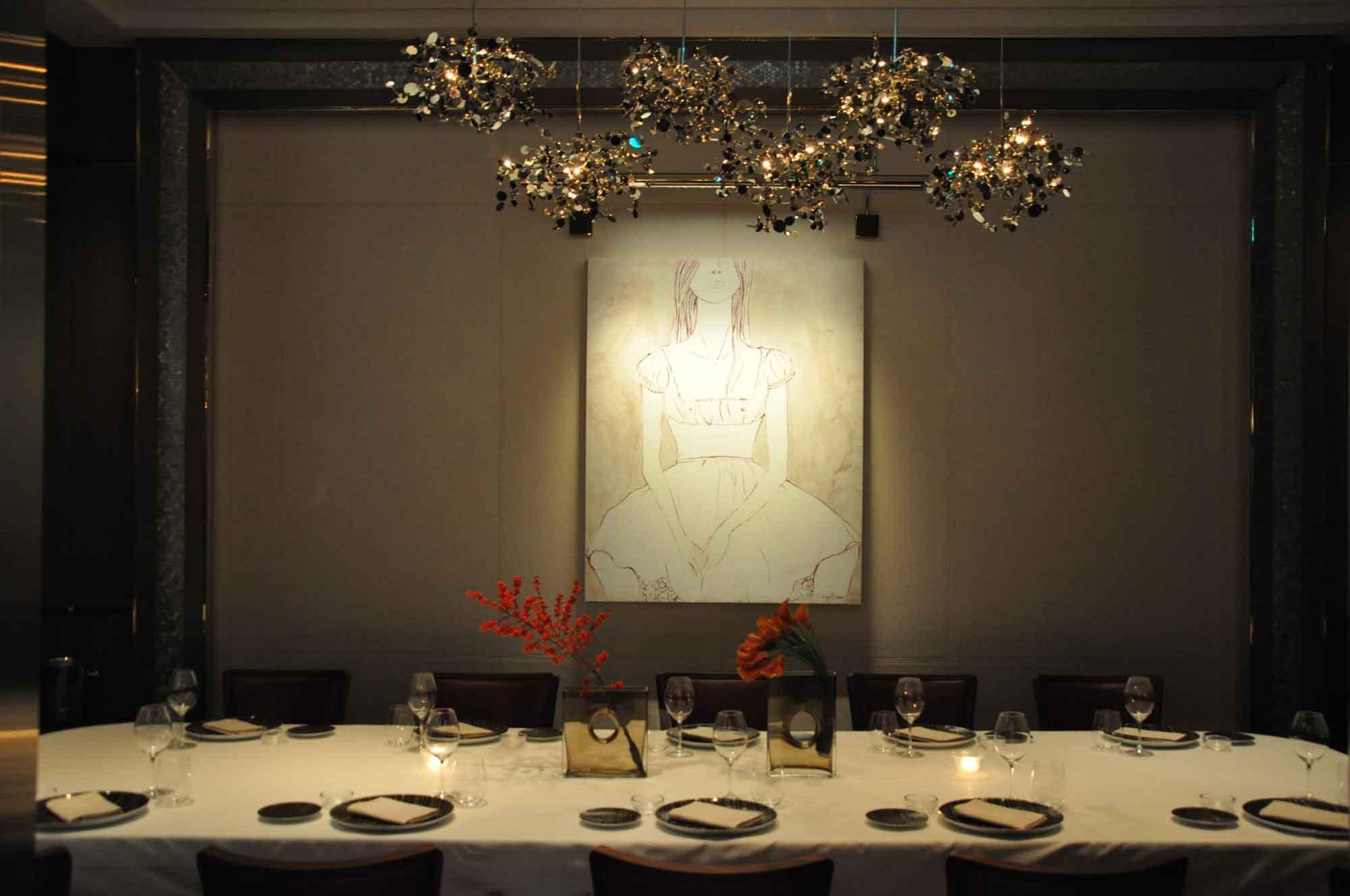 8.5 Otto e Mezzo Bombana Macau table and painting