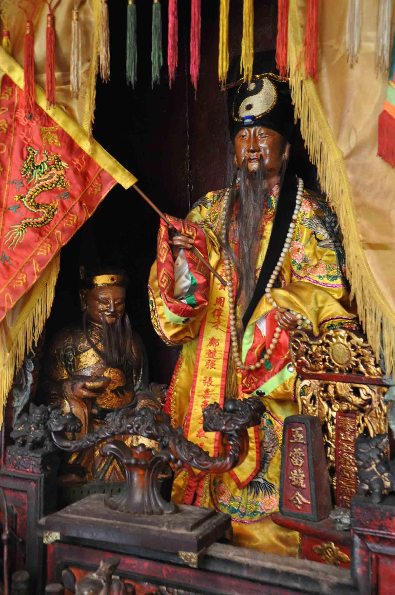 Shi Gan Dang Temple main altar