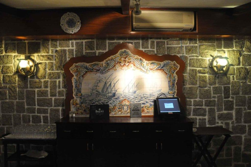 Pousada de Coloane Restaurant wall azulejo