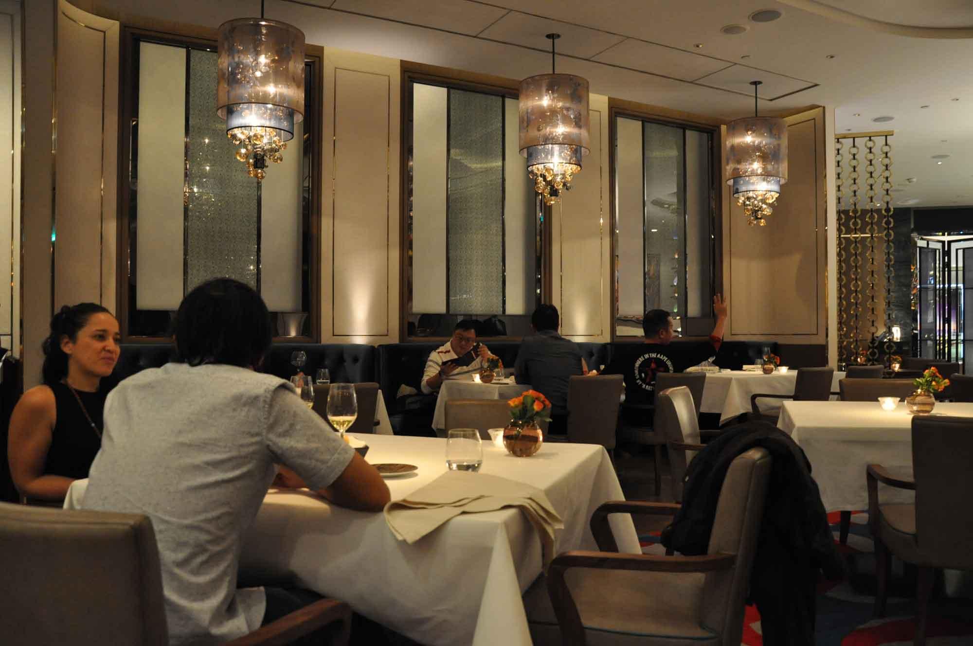8.5 Otto e Mezzo Bombana Macau seating