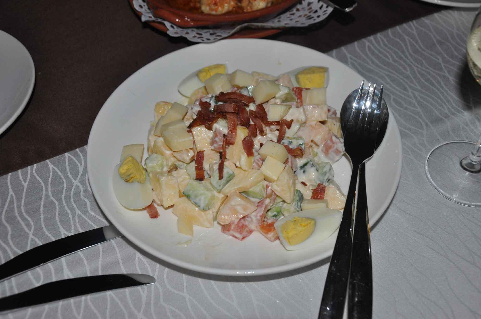 Pousada de Coloane Restaurant chefs salad