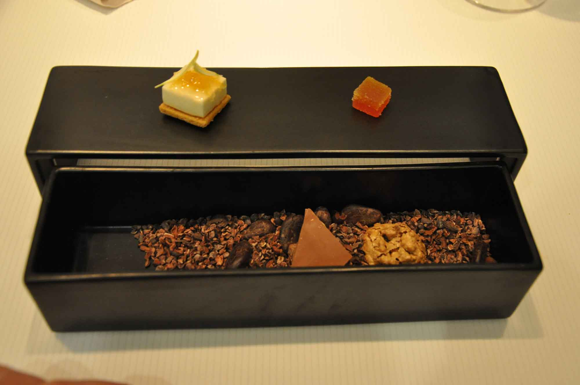 8.5 Otto e Mezzo Bombana Macau desserts