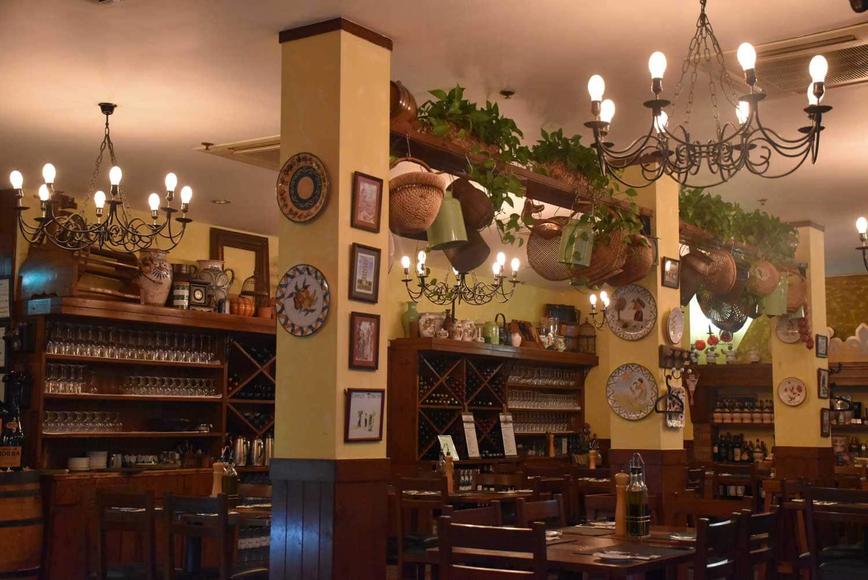 Antica Trattoria Da Isa wooden interior