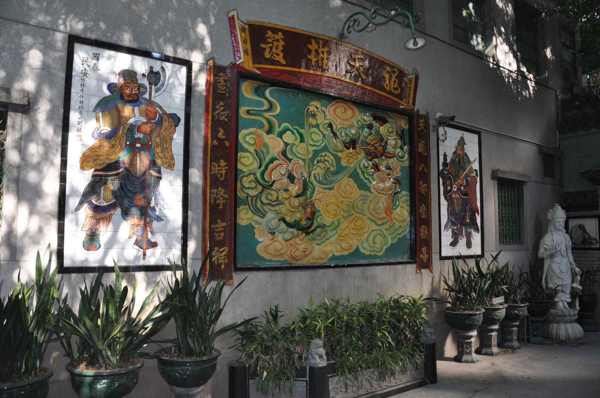 Bamboo Temple entrance art