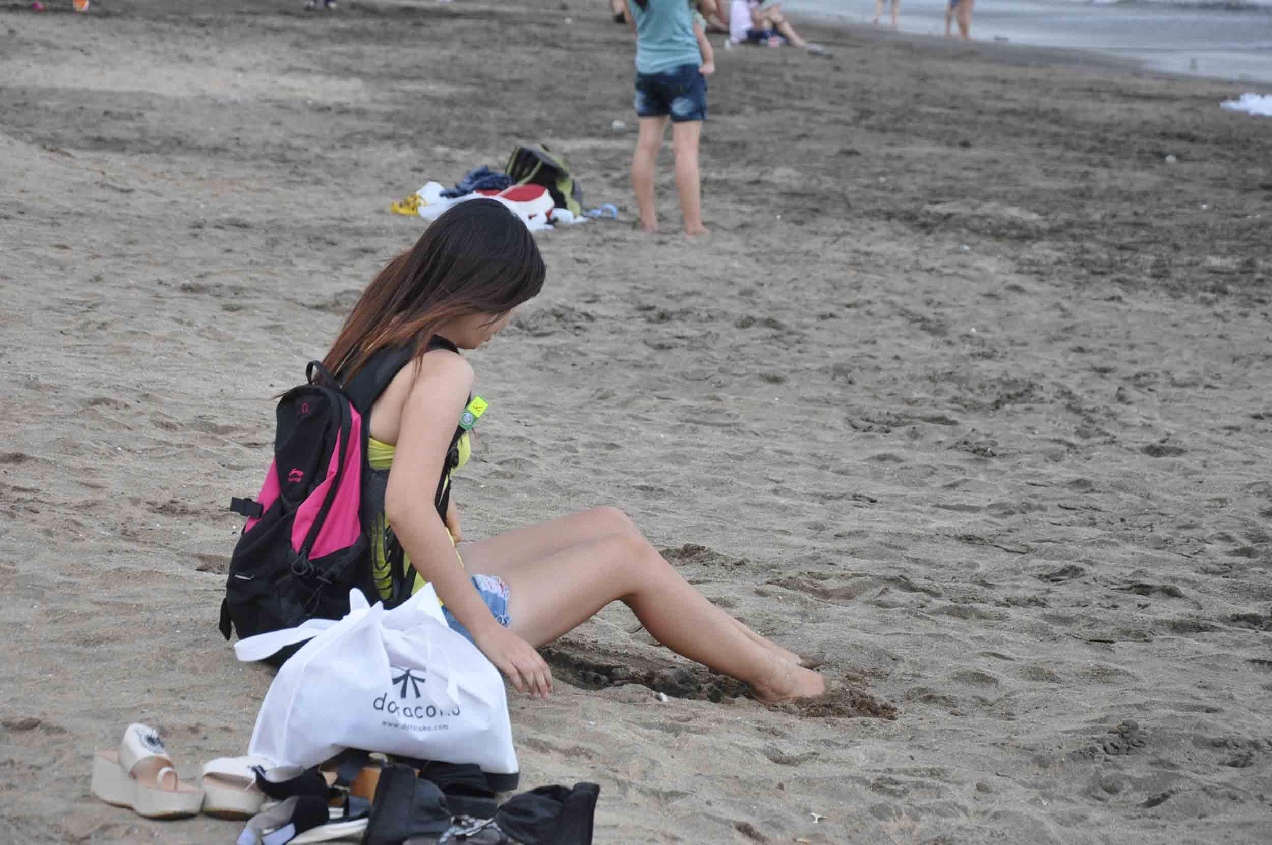 Hac Sa Beach Macau young woman
