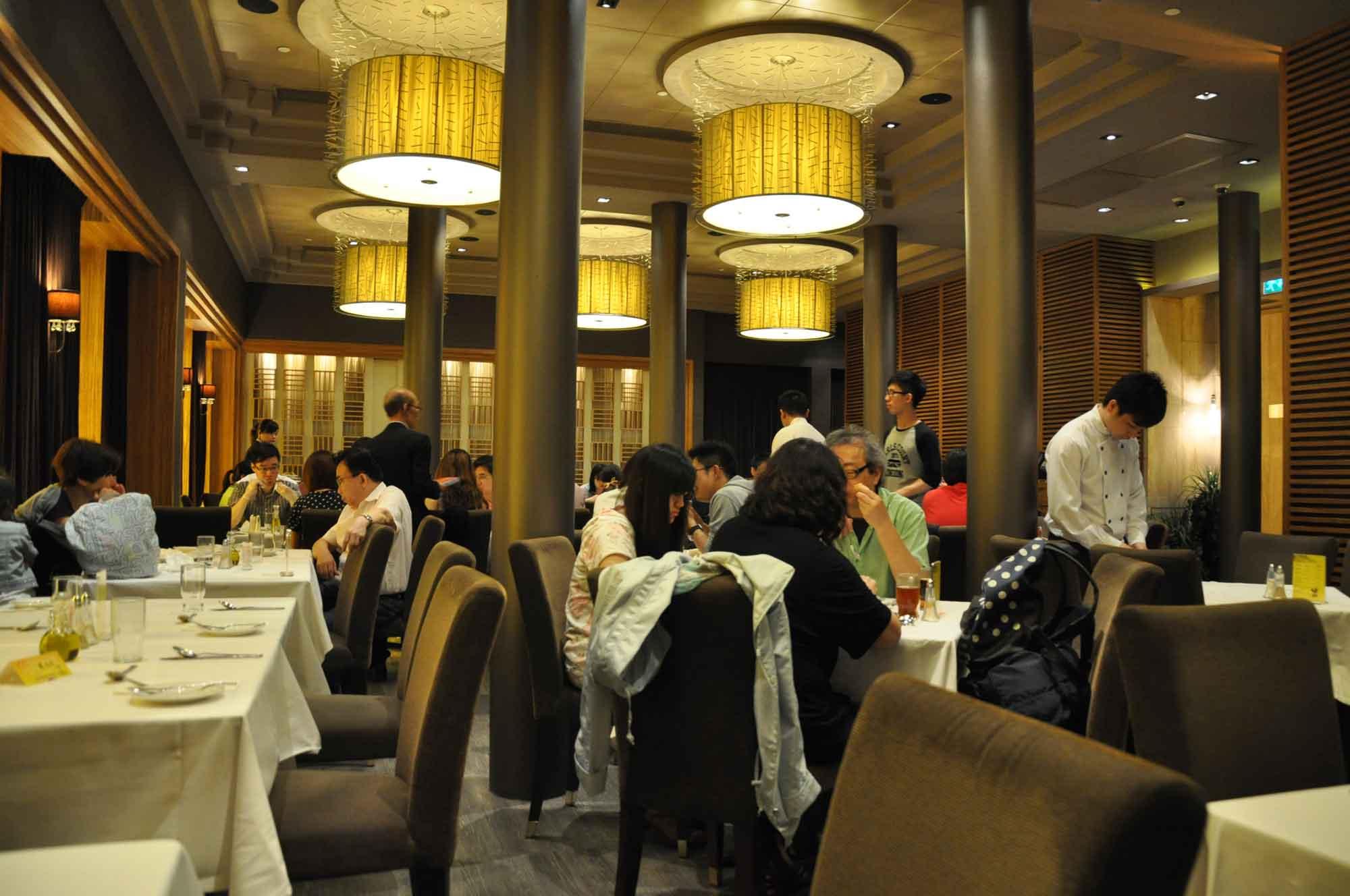 Fat Siu Lau inside seating