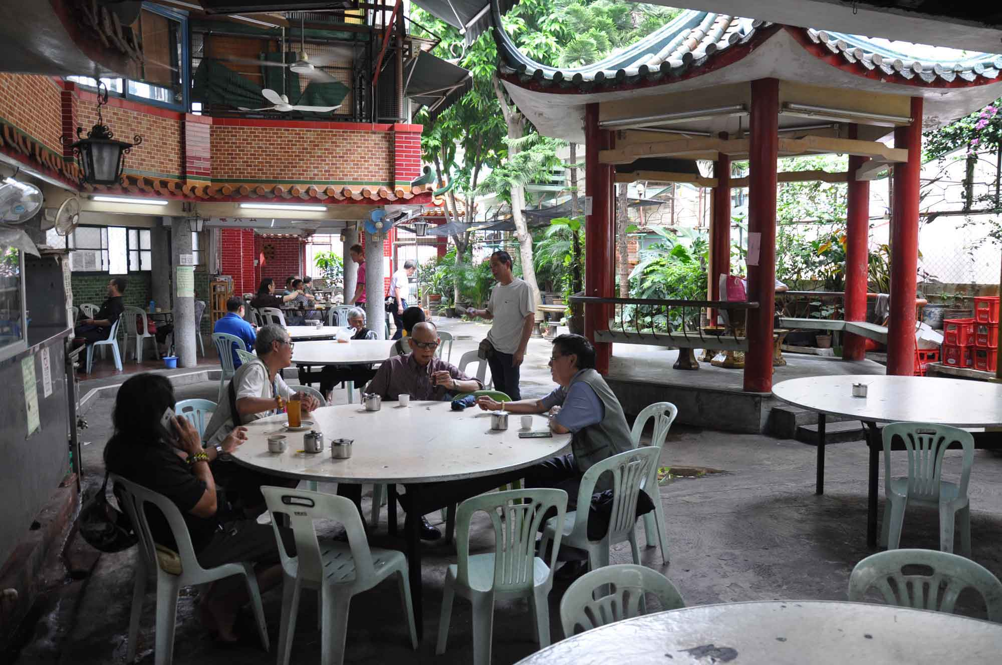 San Kiu Teahouse Macau outdoor seating