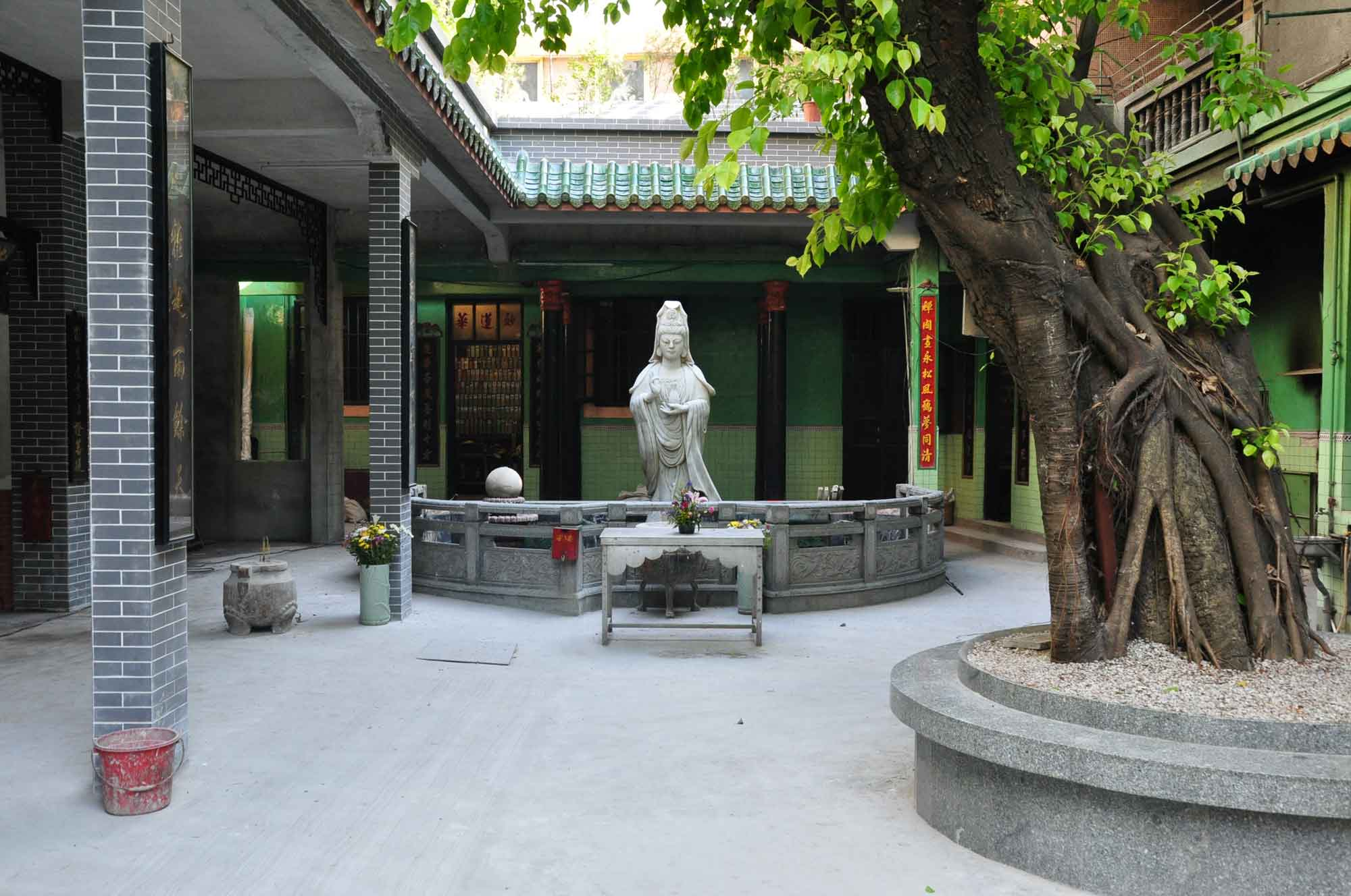 Temple of Bamboo inner courtyard