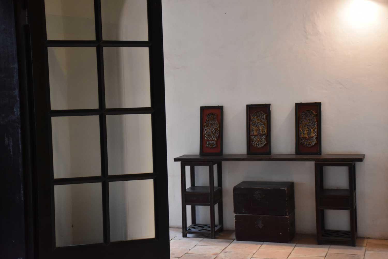 Mandarin House Macau door and table