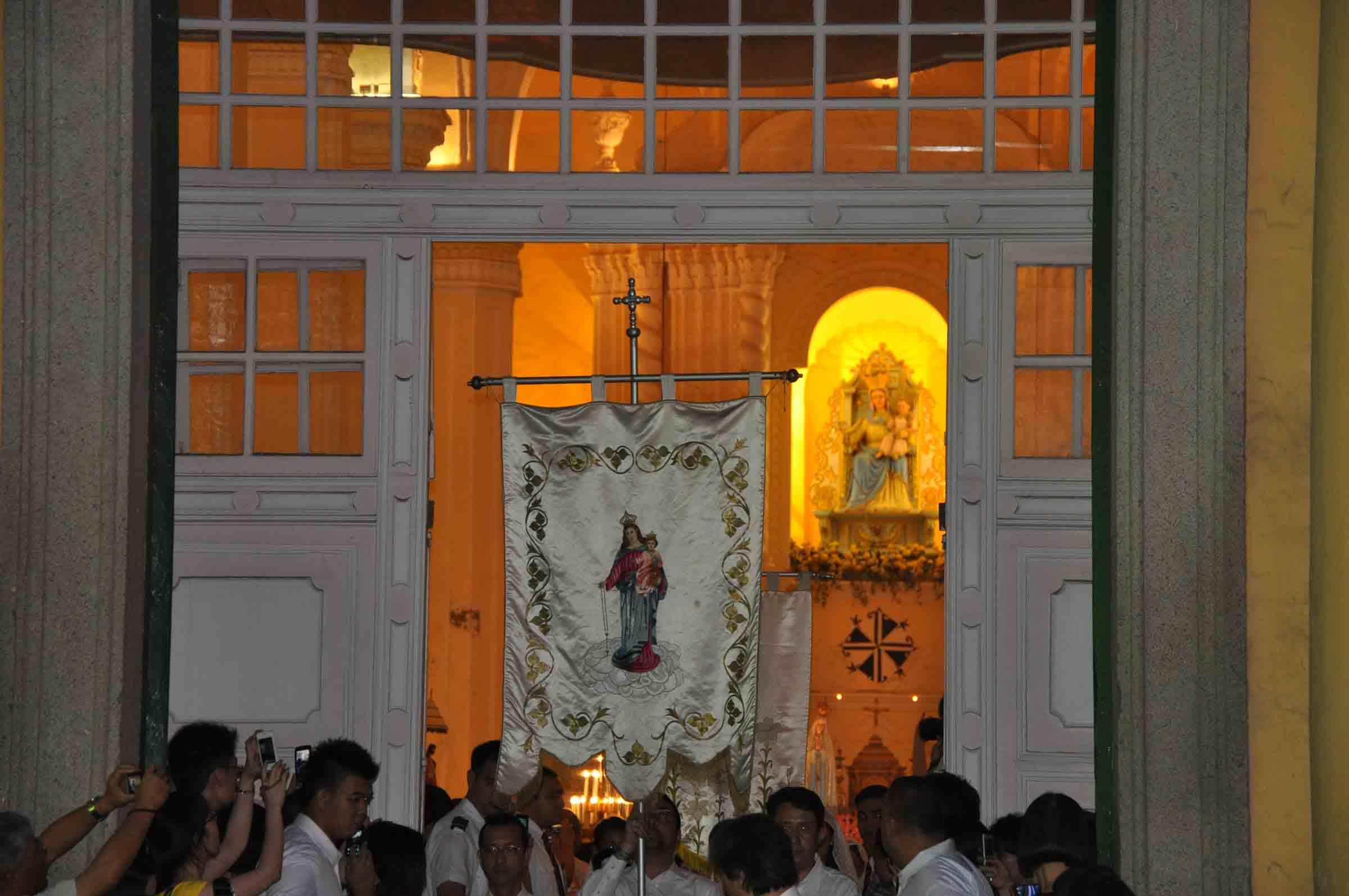 Macau's Our Lady of Fatima Procession starts at St Dominics Church