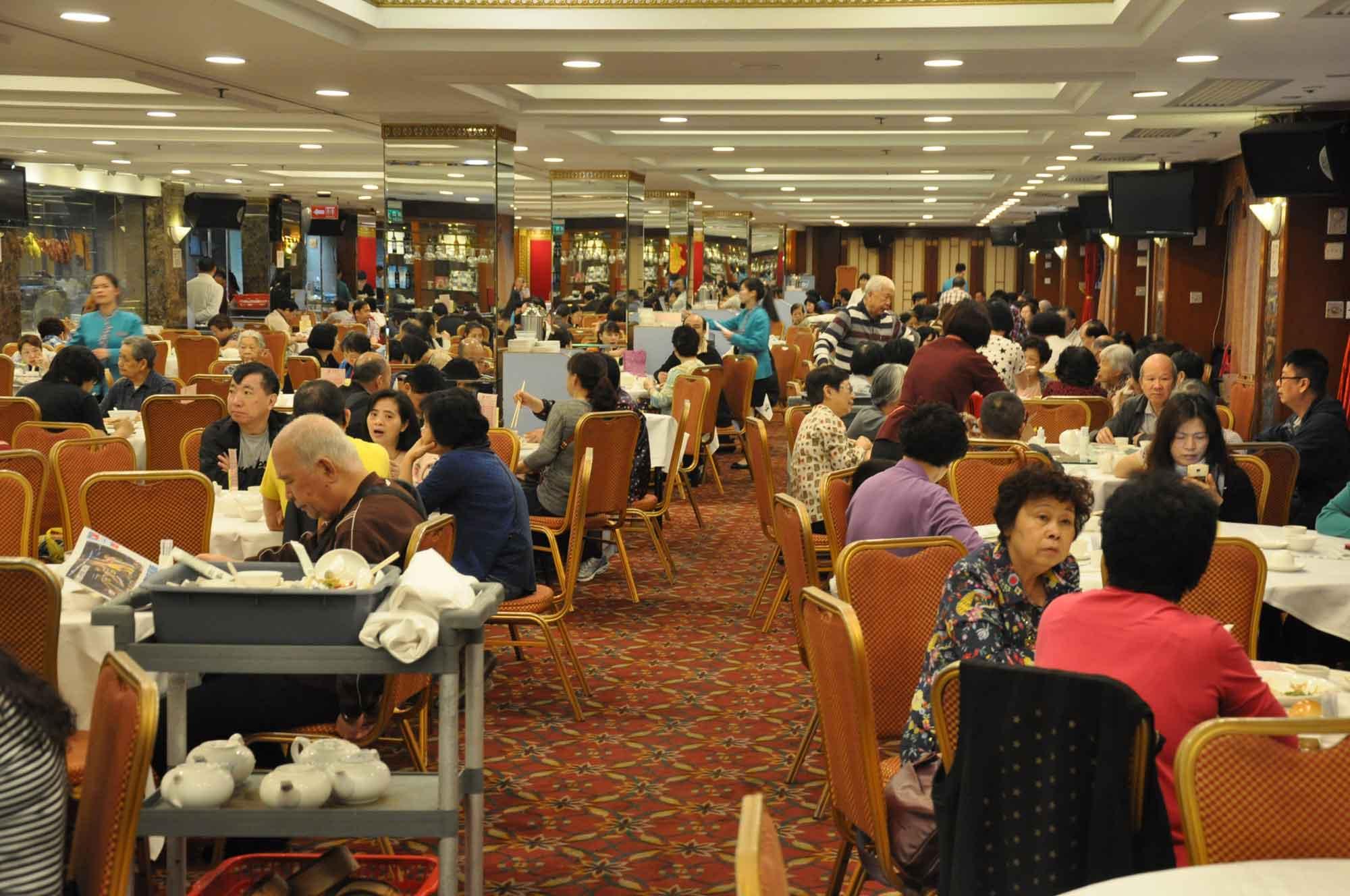 Ka Nin Wa Macau indoor seating