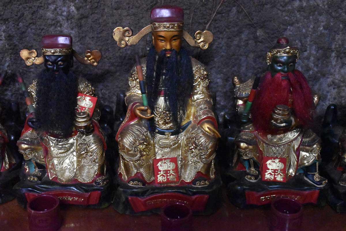 Sam Po Temple bearded deities
