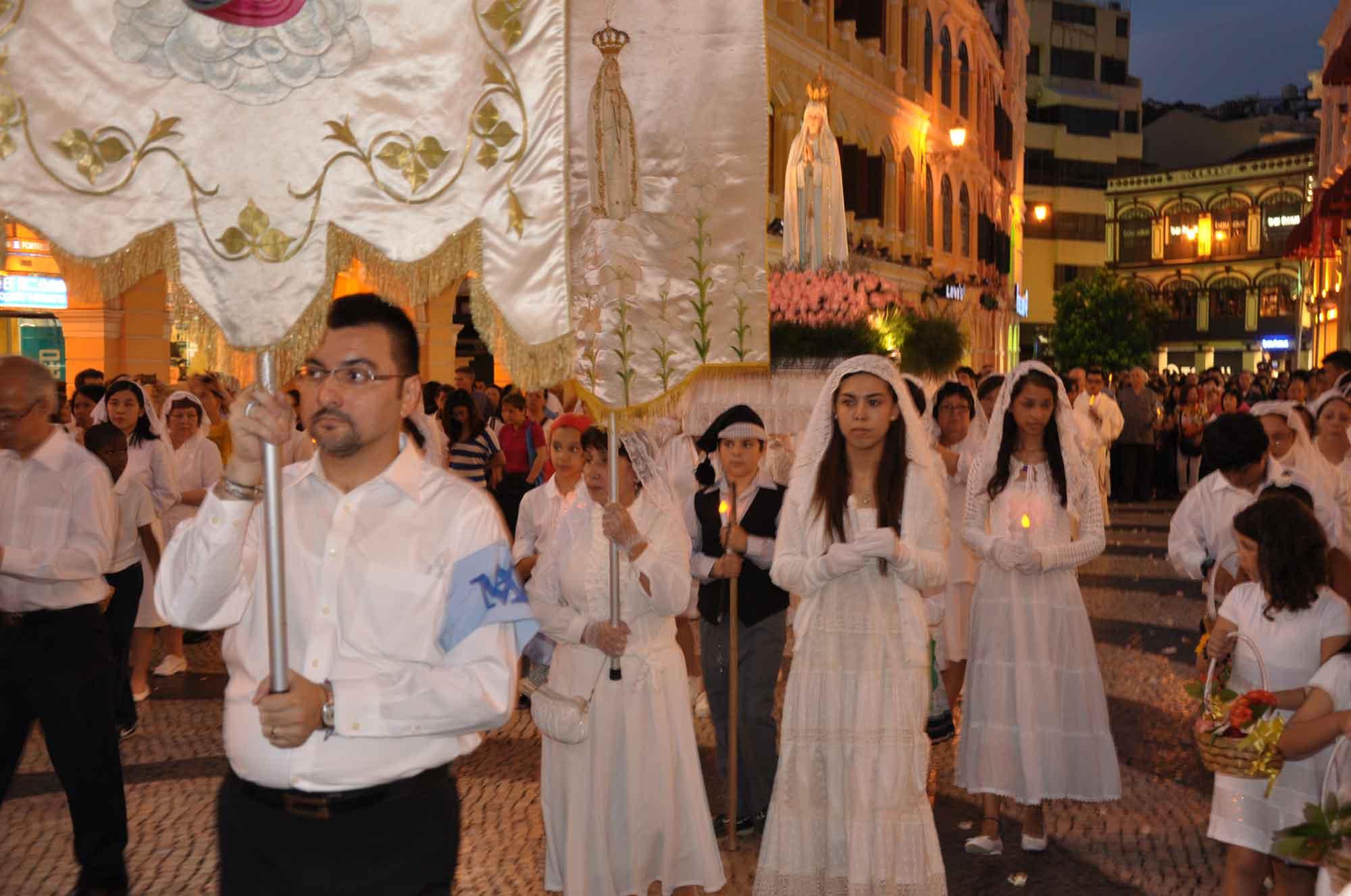 Macau's Our Lady of Fatima Procession at Senado Square