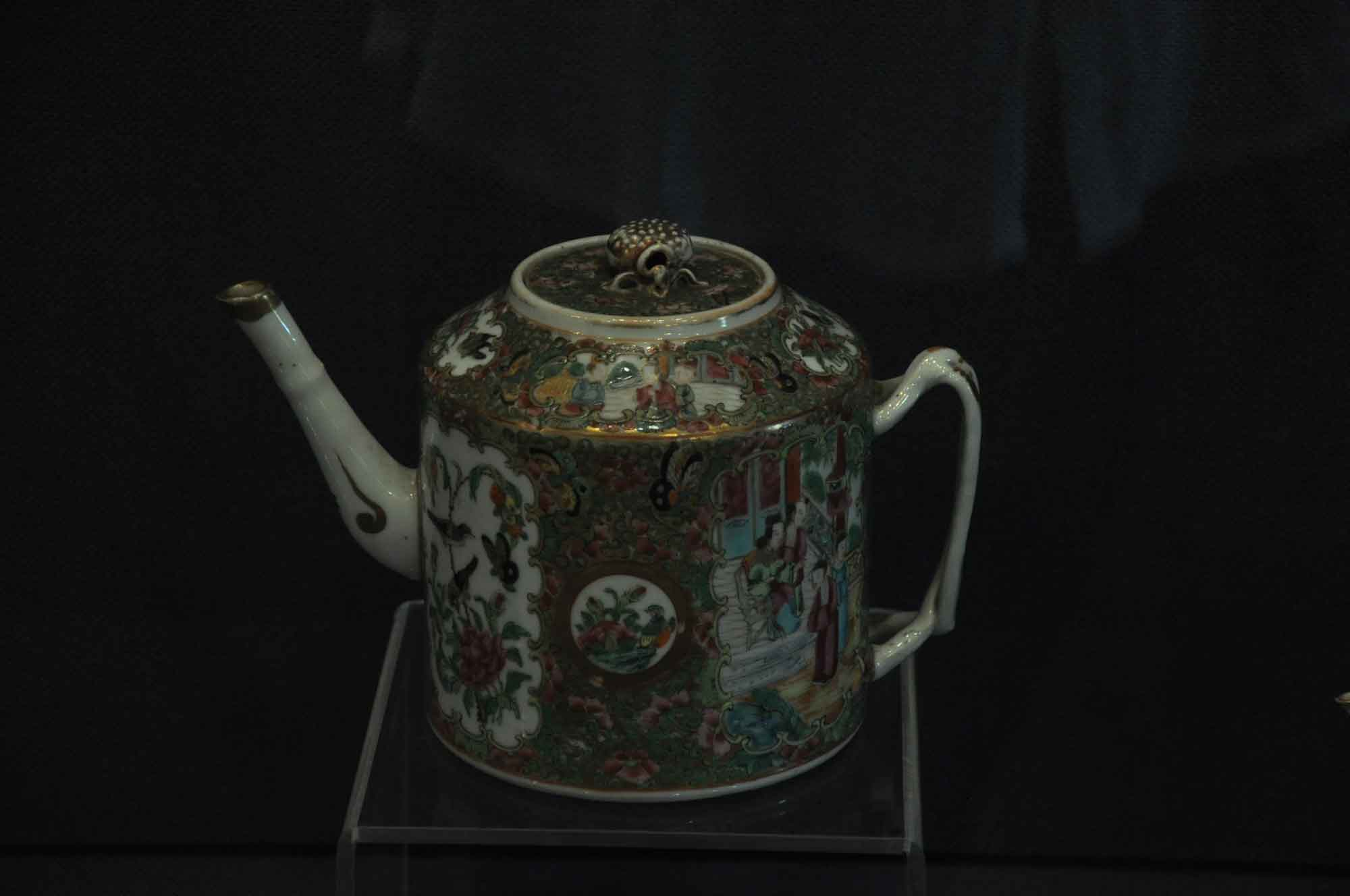 Macau Tea and Culture House teapot