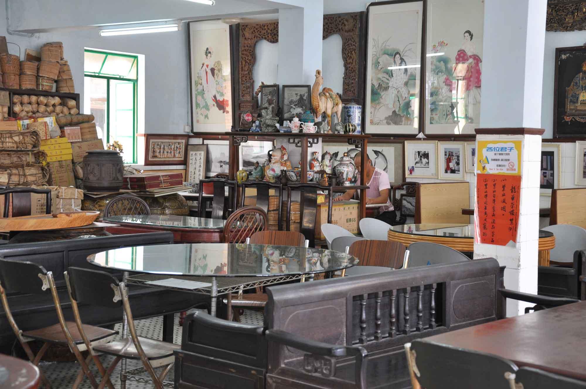 Long Wa Teahouse table