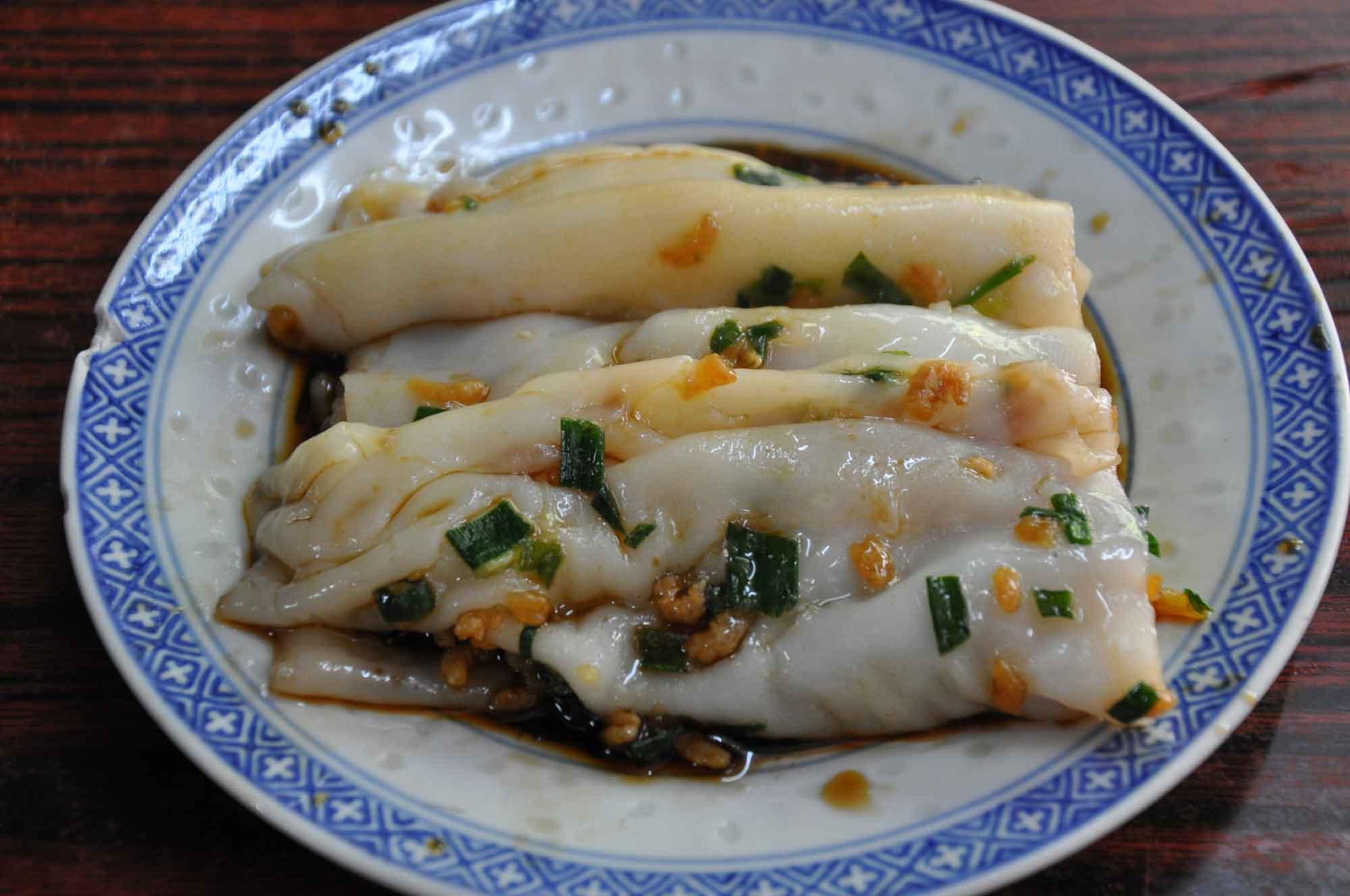 Macau Street Food: Pigs Guts Noodles