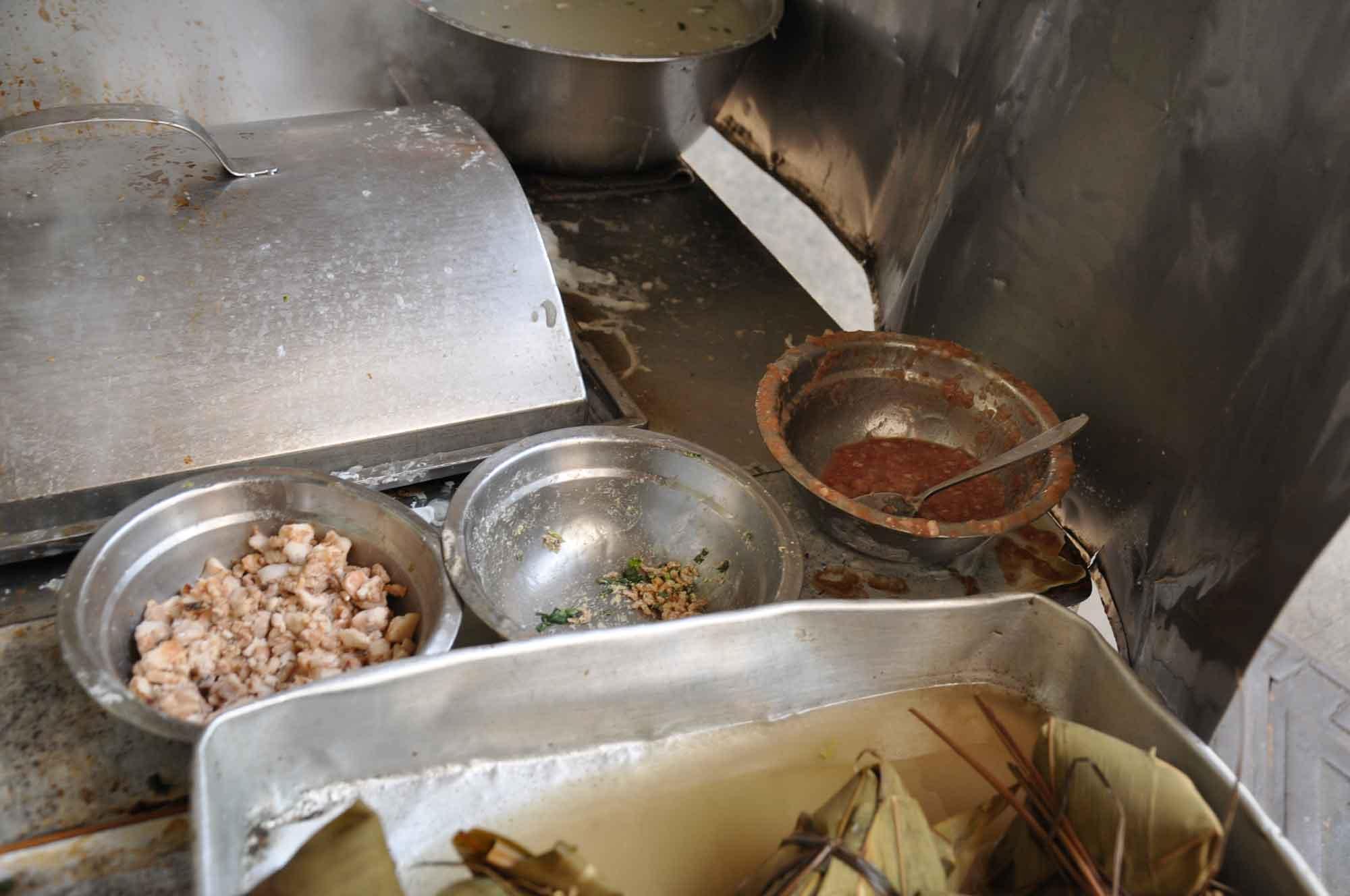 Hoi Un Sio Sek pigs guts noodles