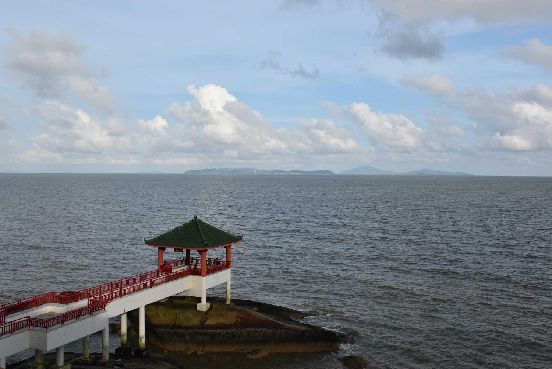 Hac Sa Long Chao Kok Coastal Trail sea pavilion
