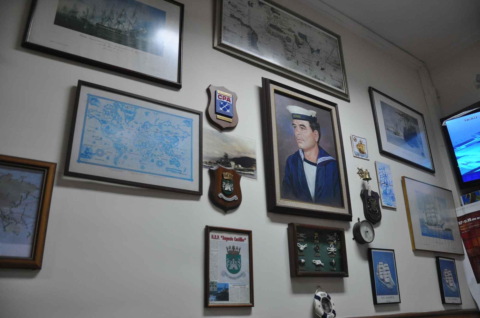 O Santos Macau wall pictures