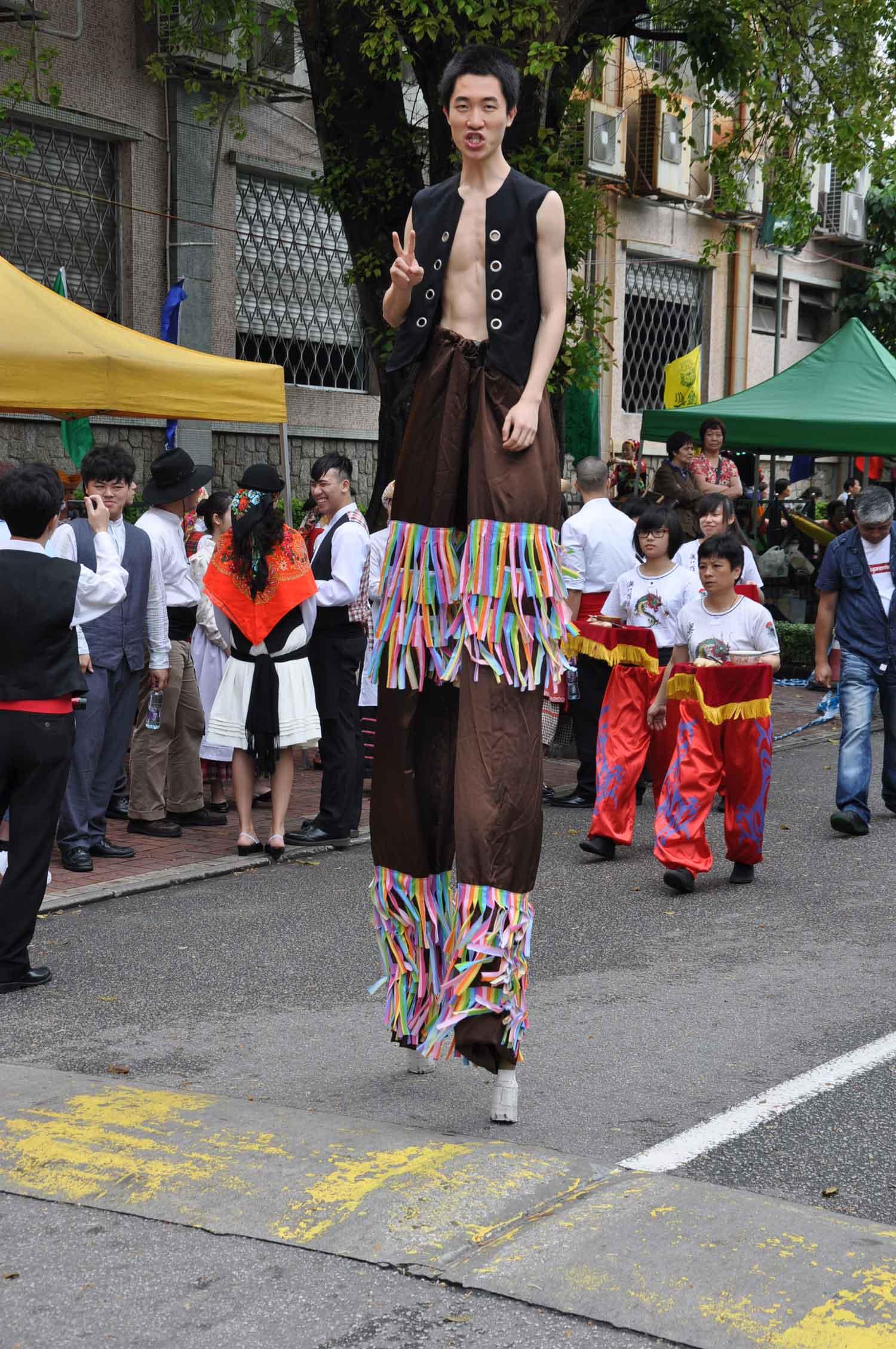 Tam Kong Festival stilt walker