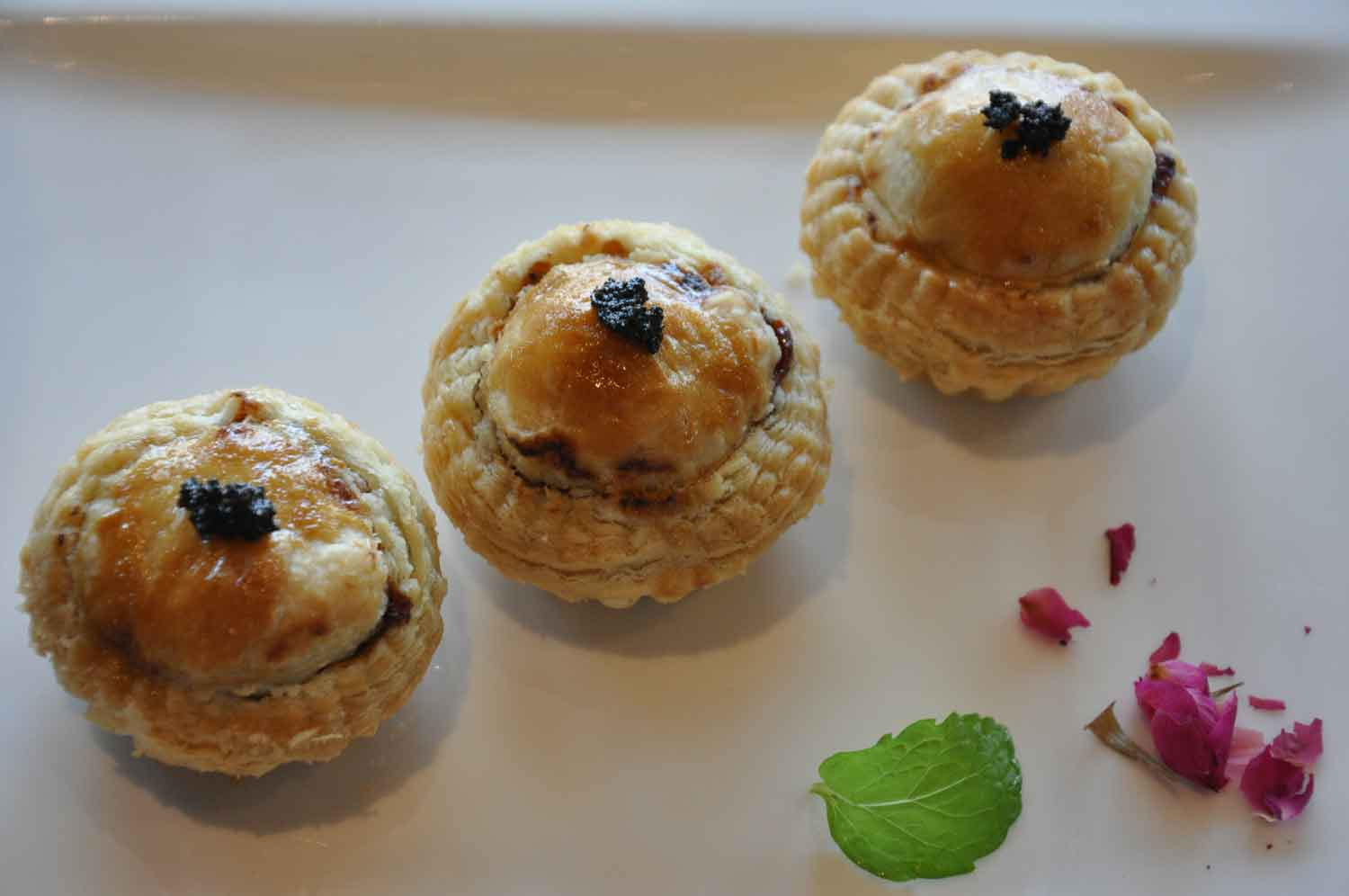 """La Chine Macau Baked """"Pithiveir"""" with Chicken Truffle Fois Gras"""