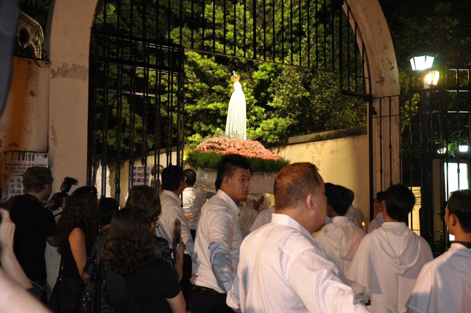 Macau's Our Lady of Fatima Procession entering Penha Church