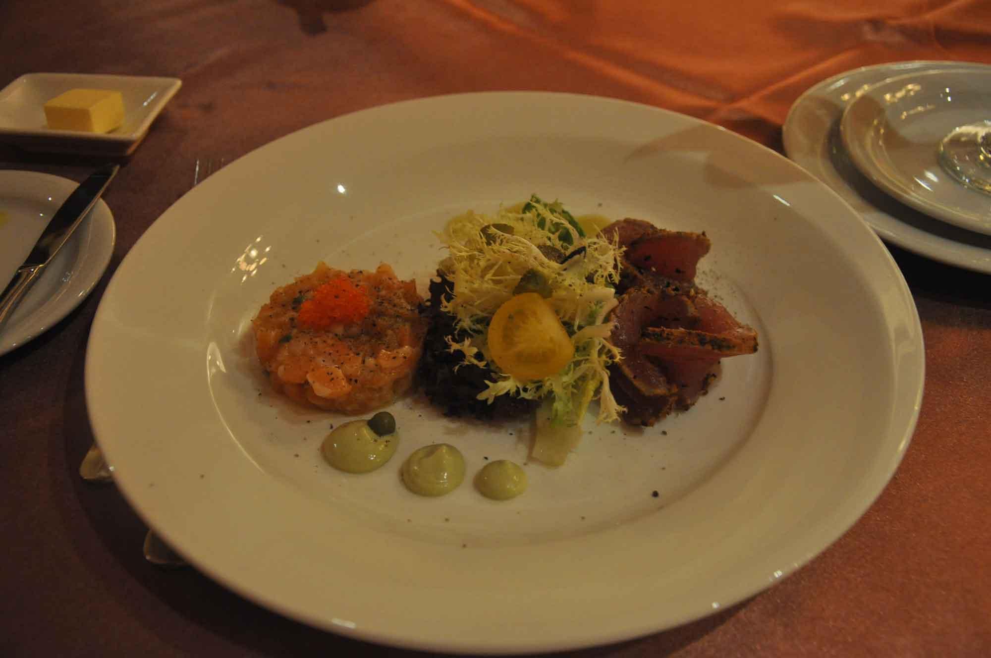 Copa Steakhouse seared tuna salad
