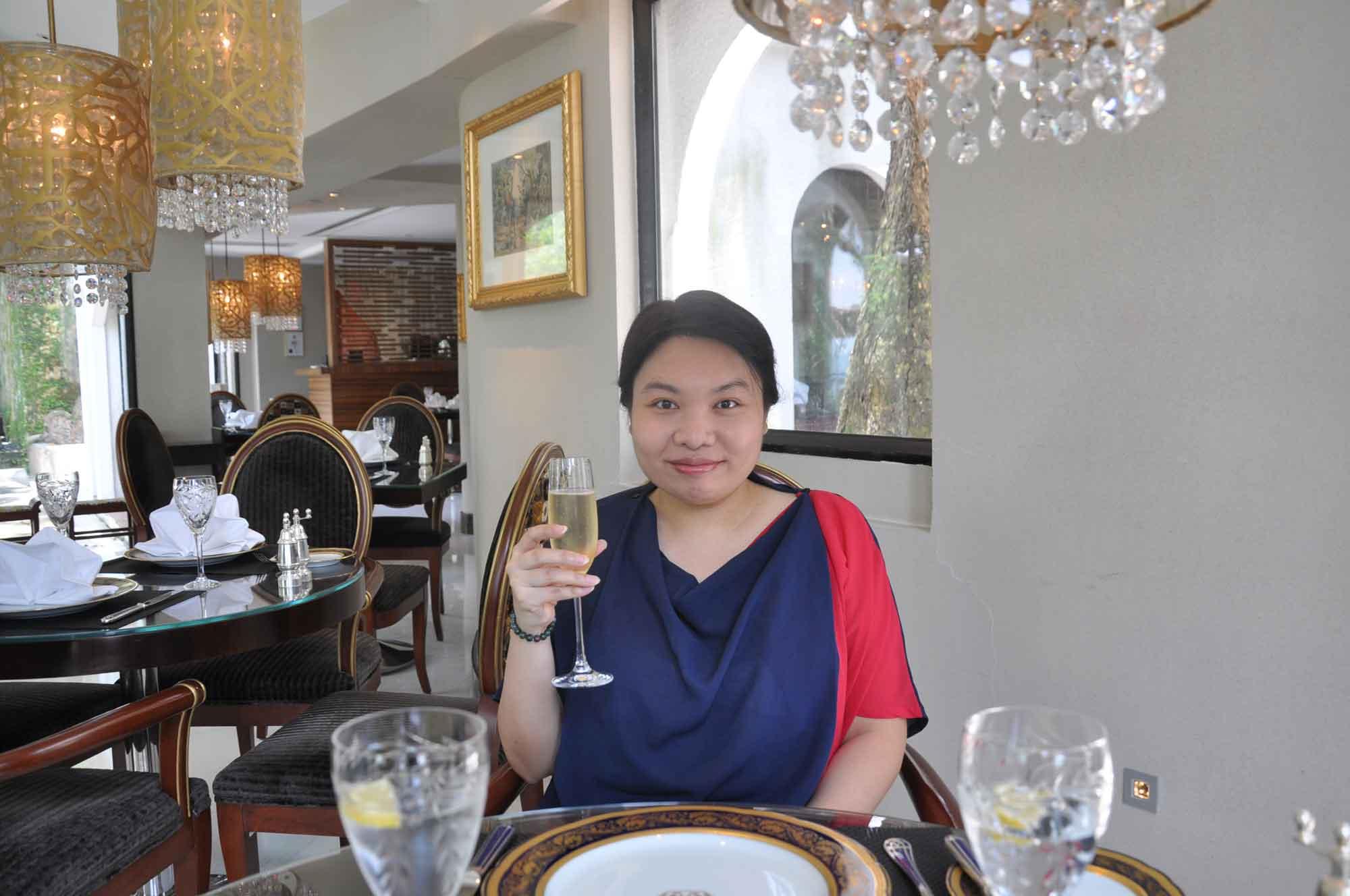 La Paloma Macau Mu Yi with Champagne