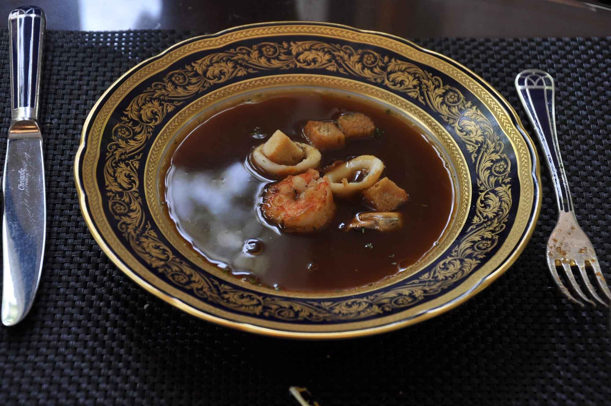 La Paloma Macau seafood soup