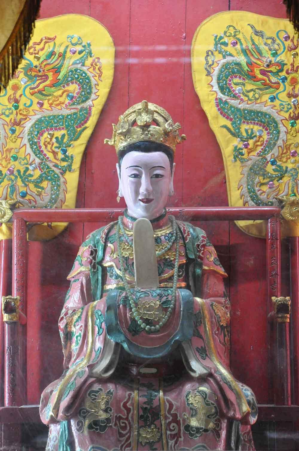 Coloane Village Temples: Tin Hau Temple A Ma idol