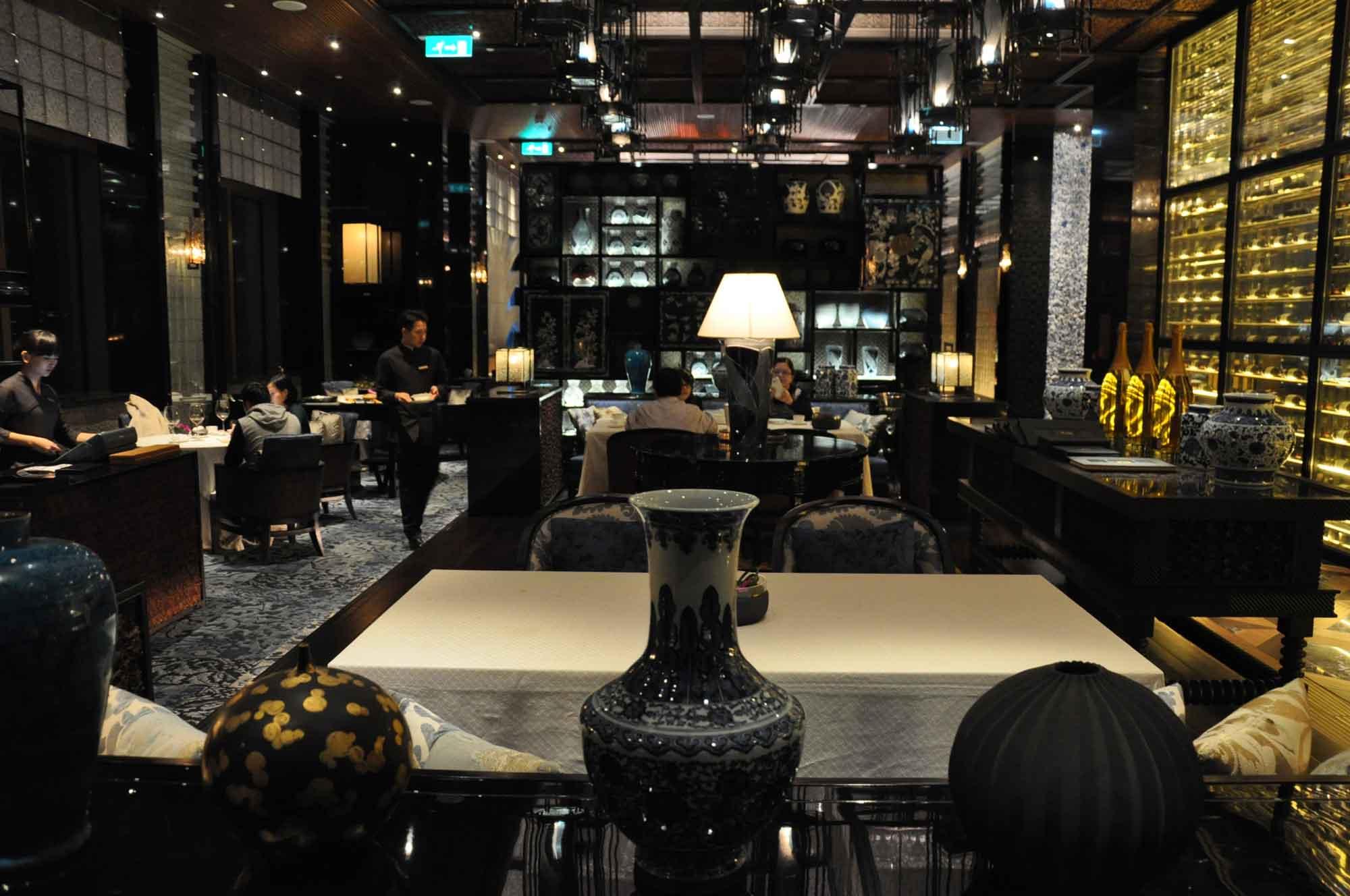 Lai Heen Macau inside seating