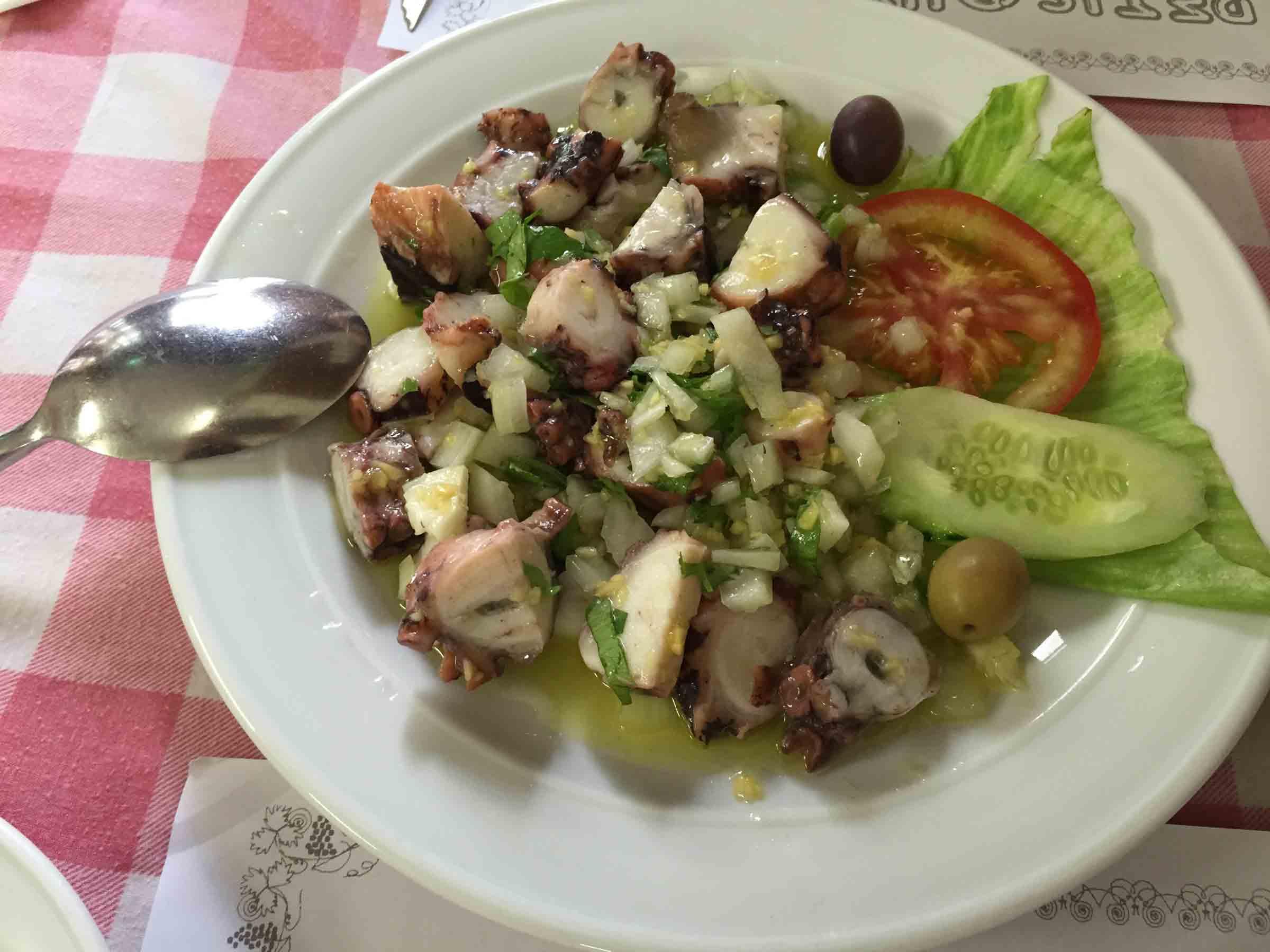 A Petisqueira Octopus Salad