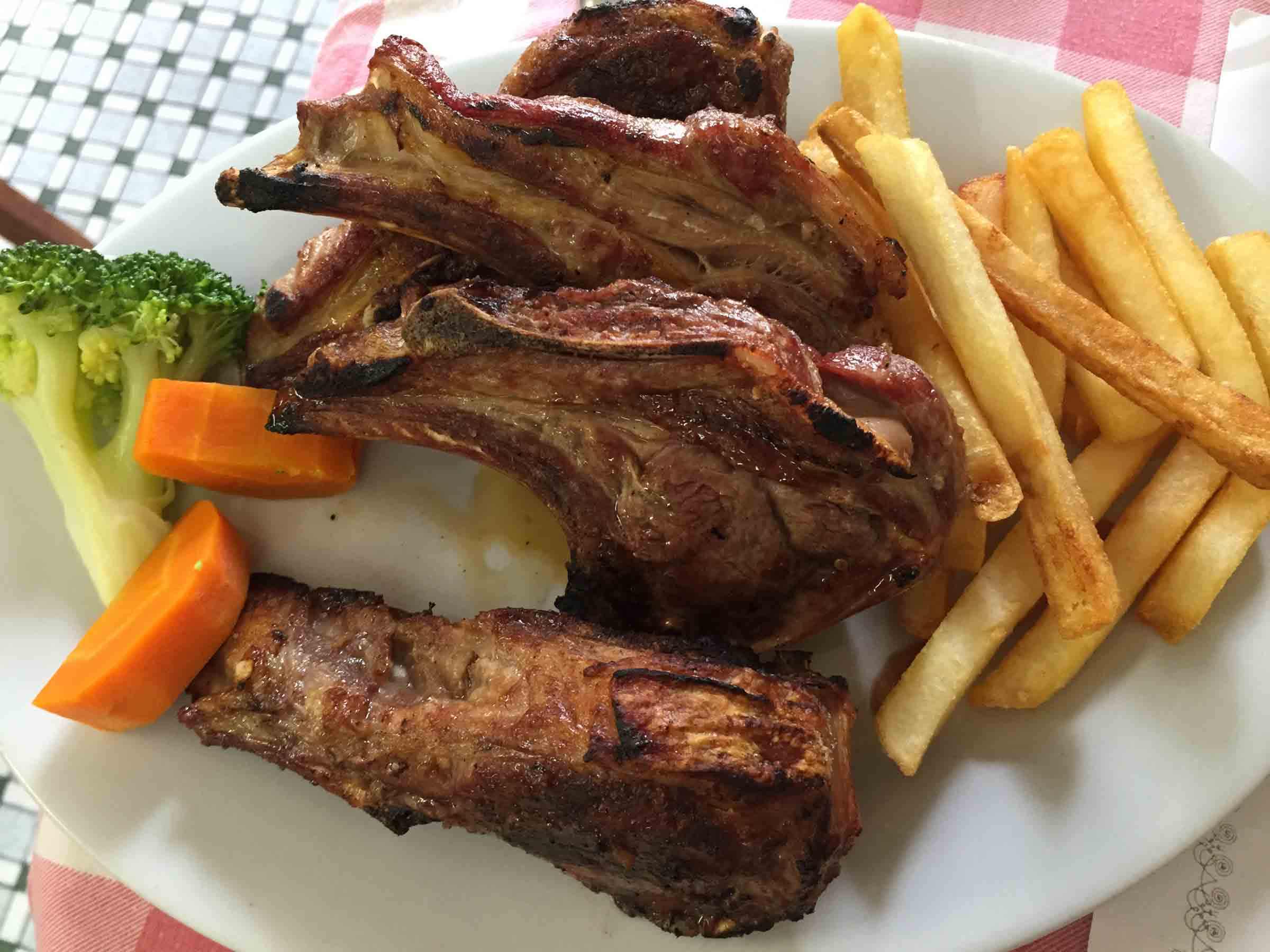 Best Macau Restaurants: Lamb Chops at A Petisqueira