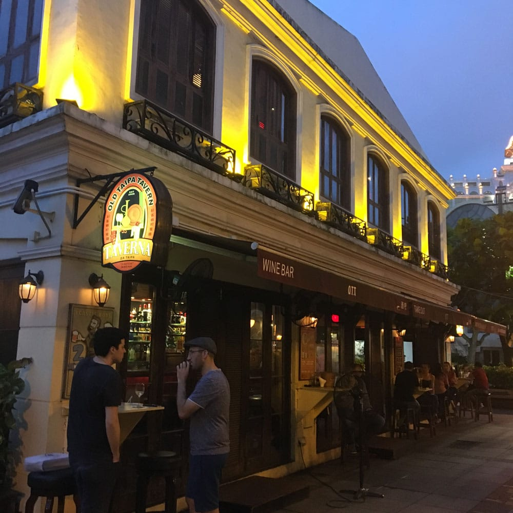 Old Taipa Tavern outside